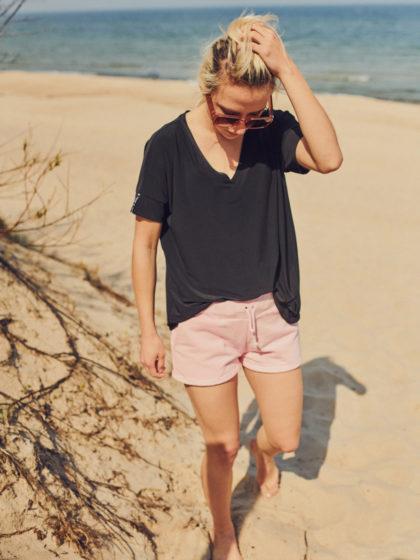 Spodenki różowe na plażę